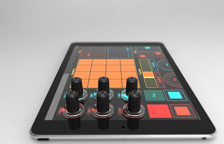 [GEAR] Mixerul din 6 butoane și-o tabletă