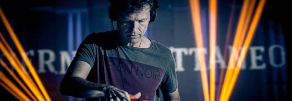 4 Tracks: Hernan Cattaneo