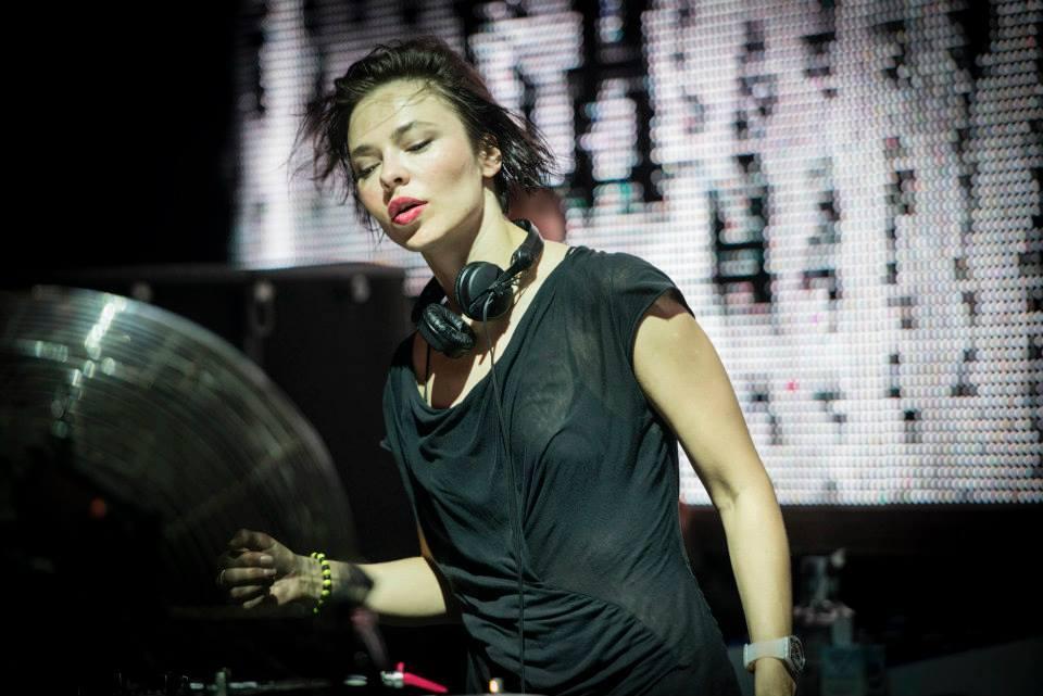 MIXUL ZILEI: Nina Kraviz @ RA BBC Ibiza 20 Takeover – Iulie 2015