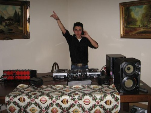 3 console de DJ pe care și le permite bedroom DJ-ul din tine