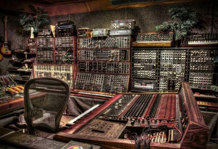 TOP 4 tool-uri online gratuite cu care te poți apuca de produs muzică electronică