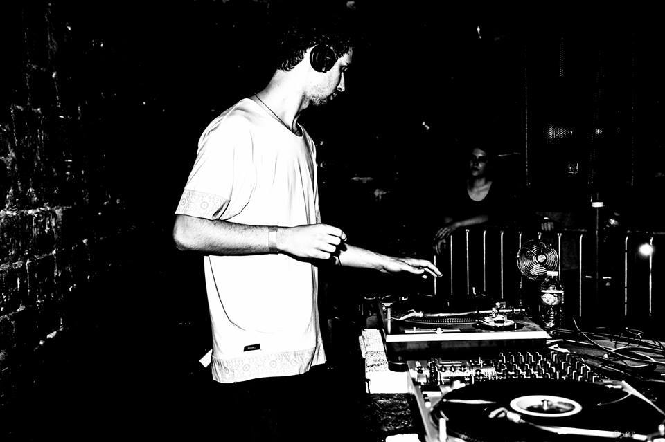 MIXUL ZILEI: Cristi Cons @ Sunwaves 18 (free download)