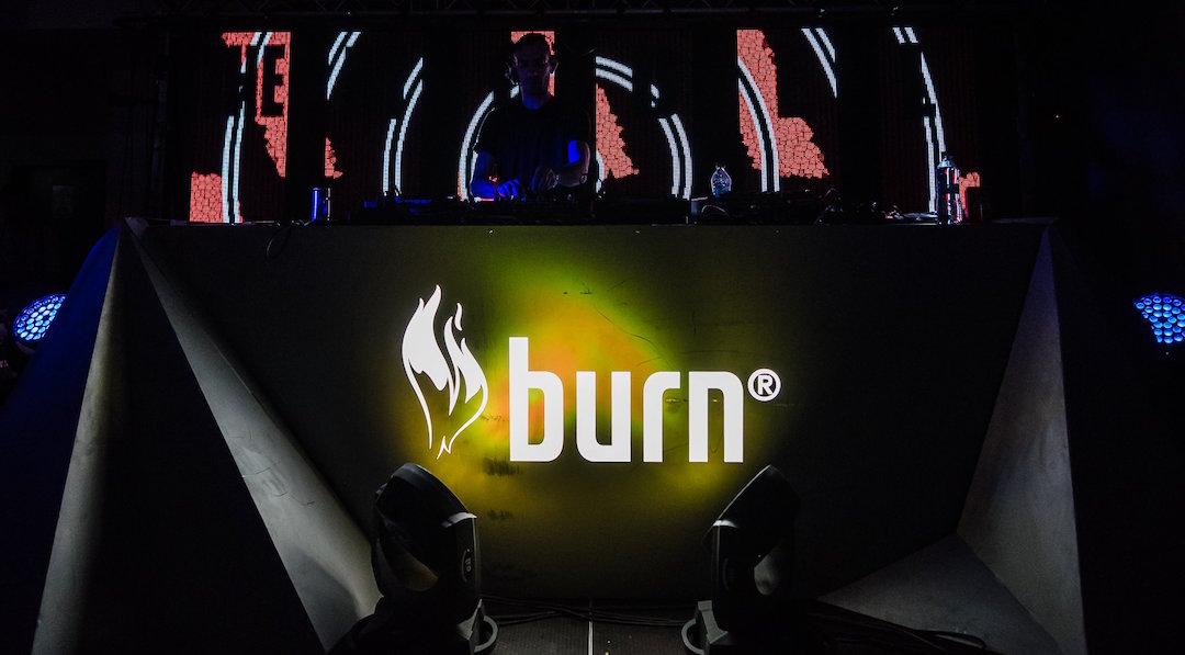 Ascultă cum s-au prezentat cei 5 finaliști la #BurnResidency MixOff 2016 pentru biletul către Ibiza